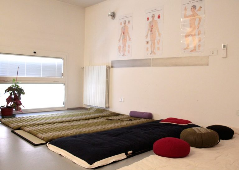 sala shiatsu e yoga di associazione in lak'ech
